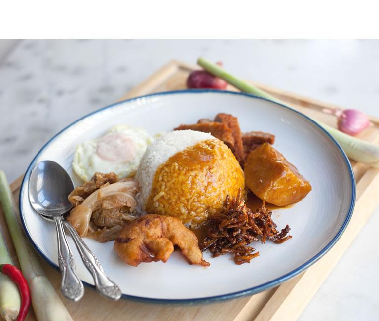 authentic-hainanese-curry-rice-singapore